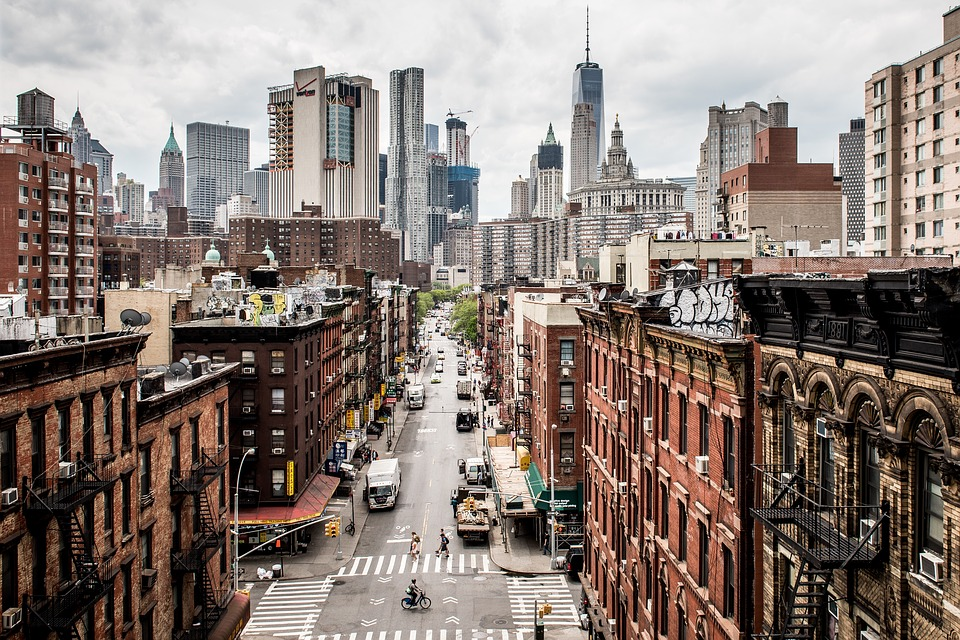From trendy SoHo to the upper crust streets of the Upper East Side, there is a wealth of New York neighborhoods from which to choose.